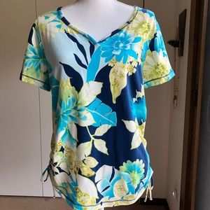 Caribbean Joe pullover floral top, Large.